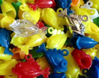 5pcs VINTAGE PLASTIC FISH Big Mouth Charms