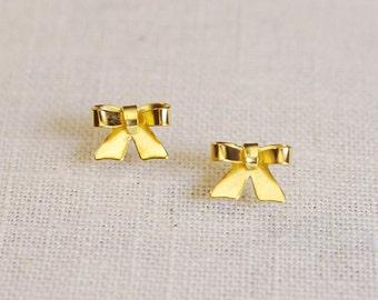 gold bow earrings . bow stud earrings . ribbon stud earrings . gold bowknot studs . simple ribbon earrings // SWTN