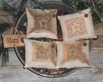 Set of 4 Primitive Country Folk Art Stars Bowl Fillers Ornies Ornaments Tie Ons Mini Pillows Tucks