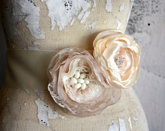 Dress sash, Blush, champagne and Ivory wedding dress sash, blush and ivory fabric flower sash