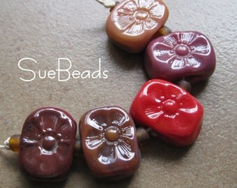 Lampwork Beads - SueBeads - Rich Reds Flower chicklet bead set - Handmade Lampwork Beads - SRA M67