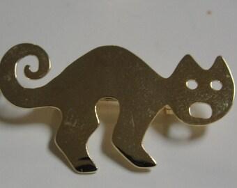 Scarey Goldtone Cat Brooch halloween