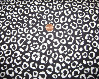 Black And White Print Fabric One Yard 9 1/2 Inches