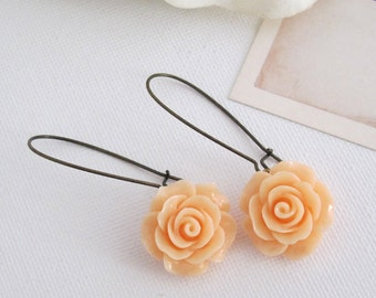 Peach Roses. Romantic Nature Garden Shabby Chic Jewelry. Nickel lead free. Bridal Wedding Floral Ear Accessories. Dangle Drop earrings