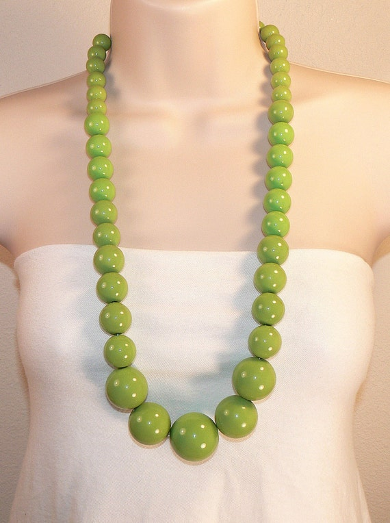 Lime Green Beaded Necklace, Long Bold Green Necklace, Heavy Retro Lucite Green Necklace, MOD Chunky Lime Green Statement Necklace