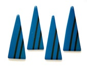 Vintage Acrylic Long Triangle Blue with Black Pendant (4) pnd171F