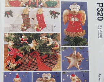 McCalls Christmas Bear Crafts Pattern P320