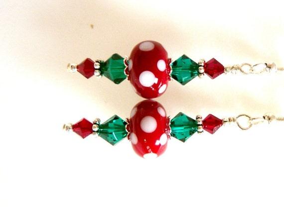 Christmas earrings red green white glass beaded