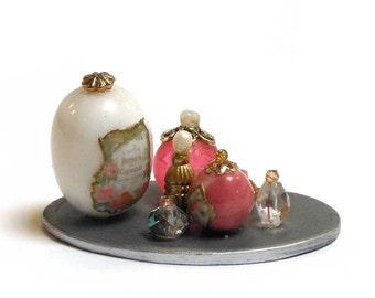 Miniature Perfume Vanity set 16