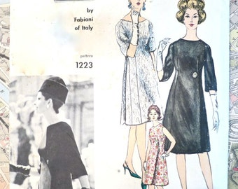 Vintage 1960s Fabiani Womens Dress Pattern with Scoop Neck and Front Panel Released Pleats - Vogue 1223