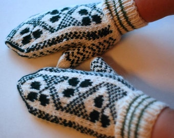 Ready to ship- knitted wool mittens
