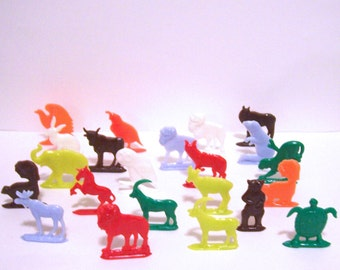 20 Animal Charms Plastic