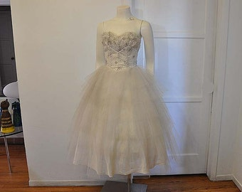 50s tulle dress / Vintage 1950s Strapless Lace Tulle Wedding Dress and Bolero