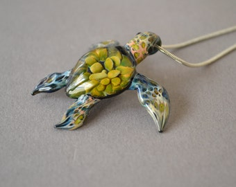 Green Sea Turtle necklace with Tide Pool shell