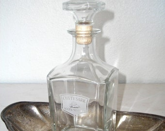 cutty sark glass whiskey decanter - french scots whisky bottle - home bar mad men barware - decorative liquor container