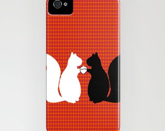 Squirrels in Love on Phone Case - iPhone 5C, iPhone 6S, iPhone 6 Plus, Samsung Galaxy S6, Gift Ideas, Gift for her, Squirrel gifts