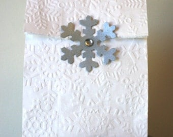 Snowflake pattern sweet sacks, favor sacks set of 8 dry embossed bags