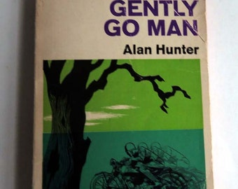1961 Gently Go Man Paperback by Alan Hunter, Superintendent George Gently Detective Crime Book, 1960s English Mystery, Blue Green Book