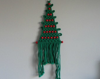 VINTAGE 1970s macrame CHRISTMAS TREE wall hanging
