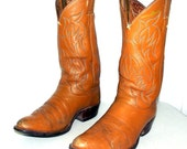 Caramel Tan Broken In cowboy boots size 9 D or cowgirl size 10.5