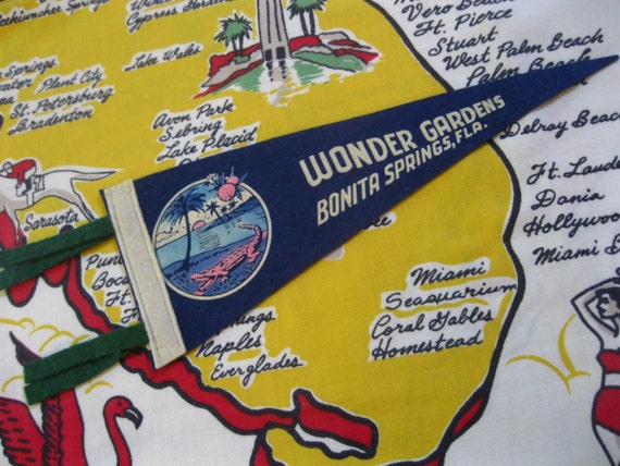 Vintage Wonder Gardens Florida felt pennant banner - 1940s Bonita Springs Florida souvenir - alligator and palm tree