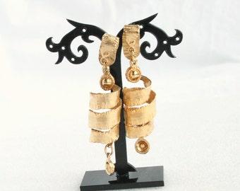 Long Corkscrew Earrings Vintage Goldtone Chunky Big Clip on Dangle Drop