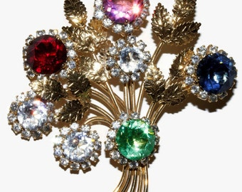 Retro multi coloured rhinestone and gold tone brooch shipping included to U.S.A and Canada