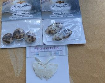 Pretty Shell Bead, Pendant Lot, Crafts, Destash, Repurpose,