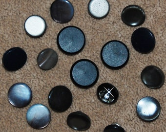 Vintage 18 Mixed Style Mixed Medium Buttons N4R