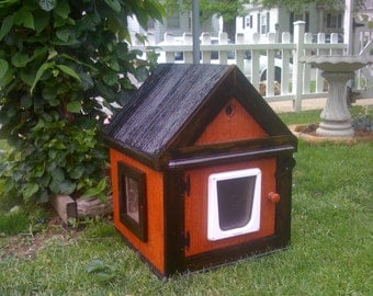 Heated Outdoor Cat House  (Ships Next Bus. Day),shelter,bed,condo,sanctuary