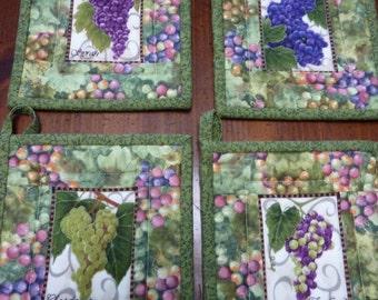Grape Clusters Set of Pot Holders