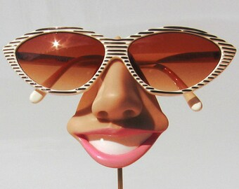 Smiling eyeglass holder, nose sunglasses display, woman gift, eyewear display stand, too happy glasses stand
