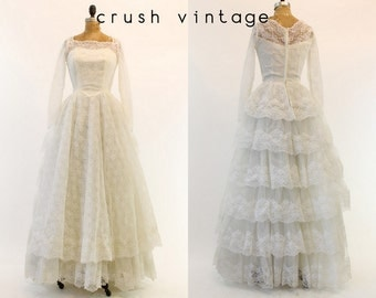 50s Wedding Gown Lace XS / 1950s Wedding Dress Tiered Lace /  Woman in Love Dress