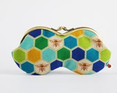 Peanut - Bees in blue and green - eyeglasses metal frame purse