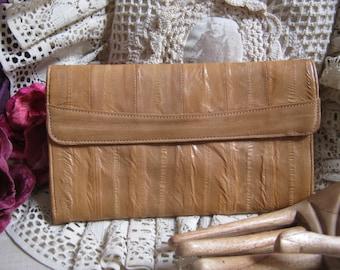 Vintage light tan eelskin wallet, sand color eelskin leather wallet, eelskin  checkbook pockets zippers clutch, eelskin clutch glasses case
