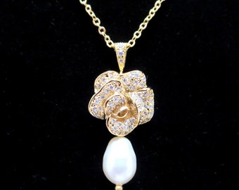 Crystal Bridal necklace, Bridesmaid necklace, Gold necklace, Rhinestone pendant necklace, Pearl drop necklace, Bridal jewelry, Bridesmaid
