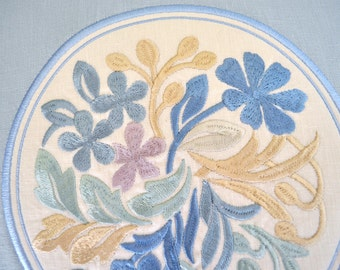 EMBROIDERY LINEN PILLOW - Custom Floral Embroidery - Blue Linen with Beige Gold Accents - Any Color or Fabric