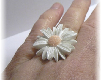 white Daisy Flower Ring...Adjustable,  Nickle Free