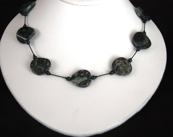 Wavy Green Agate Necklace