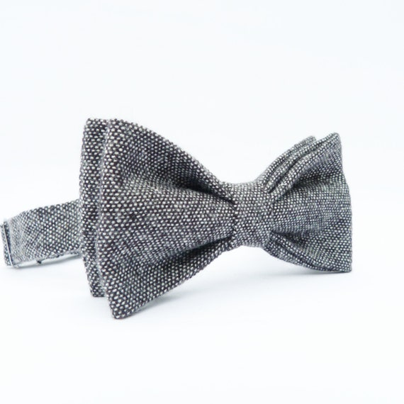 https://www.etsy.com/listing/122931808/mens-bow-tie-blackgrey-tweed?ref=br_feed_11&br_feed_tlp=men