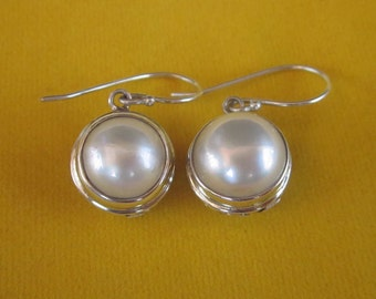 Striking Balinese Sterling Silver white mabe pearl dangle Earrings / silver 925