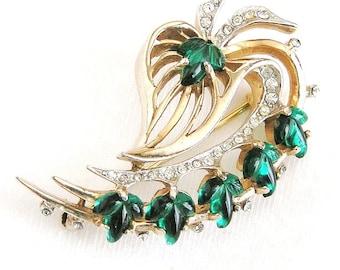Reja Emerald Molded Glass Brooch