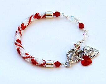 Shimmering Heart Beaded Bracelet With Swarovski Crystals