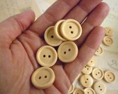 Wooden Buttons Round Three Quarter Inch - Light wood - Pack of 20