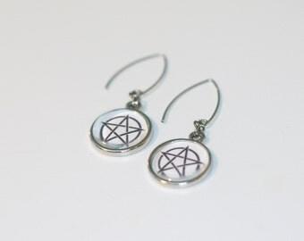 Pentacle Pentagram Black White Earrings