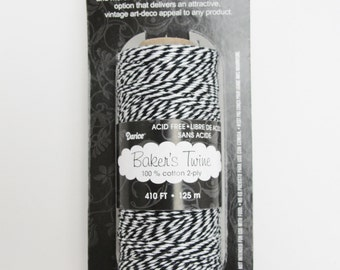 Black and white baker's twine, 410 feet, 136 yards