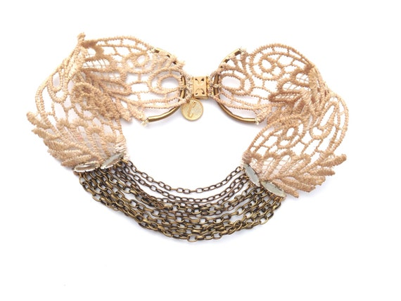 Vintage lace necklace, very chic and sophisticated, perfect for a wedding, cocktail party  or for everyday.