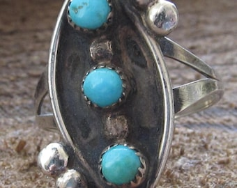 Genuine Turquoise Pettipoint style Old Pawn Type Silver Native American Ring Size 7