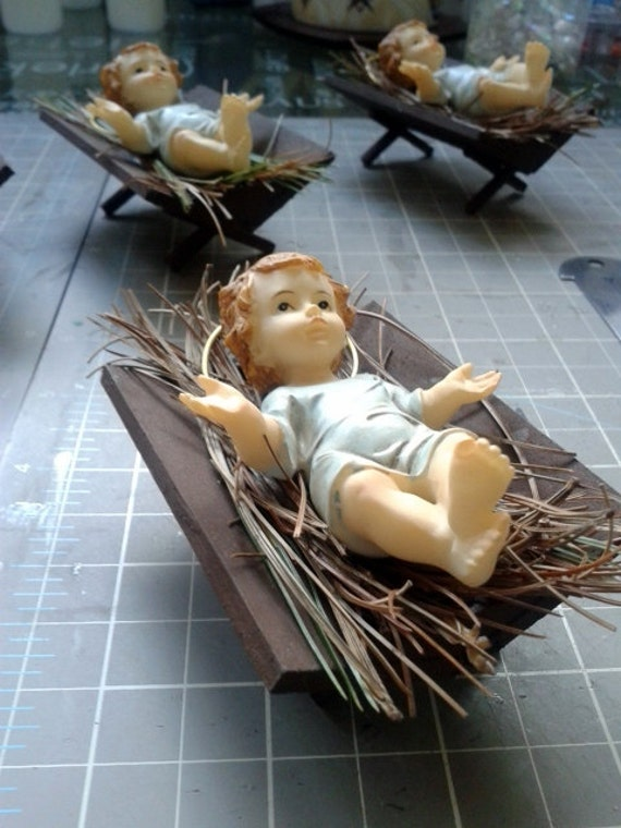 Baby Jesus in a crib- Ornament - Party Favor - Christmas - Baptism - First Comunion