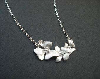 Bridesmaid Neckalce, Silver Necklace with Three fold flowers, Bridesmaid Gift, Wedding Gift, Birthday Gift, Flower Girl Gift